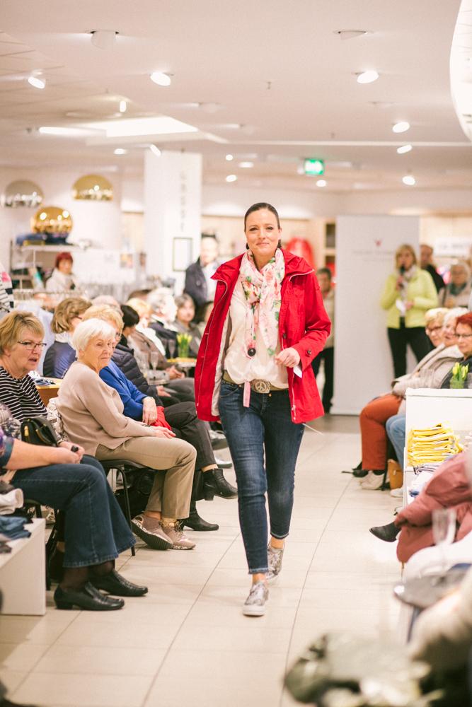 Jacken Modenschau mit Fuchs Schmitt Modehaus Bär
